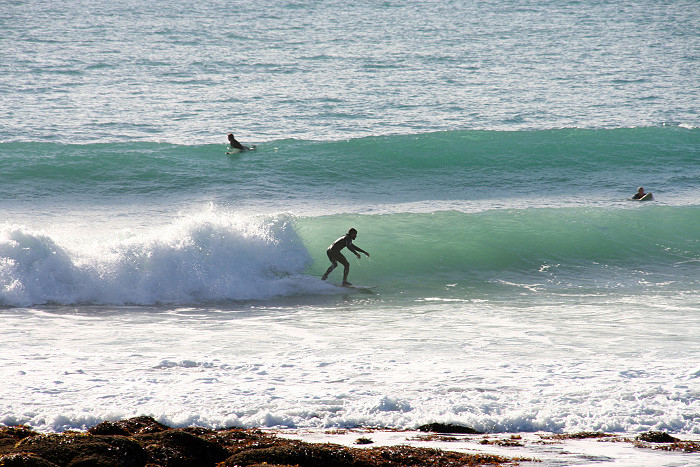 Raglan surf lessons for average surfers.