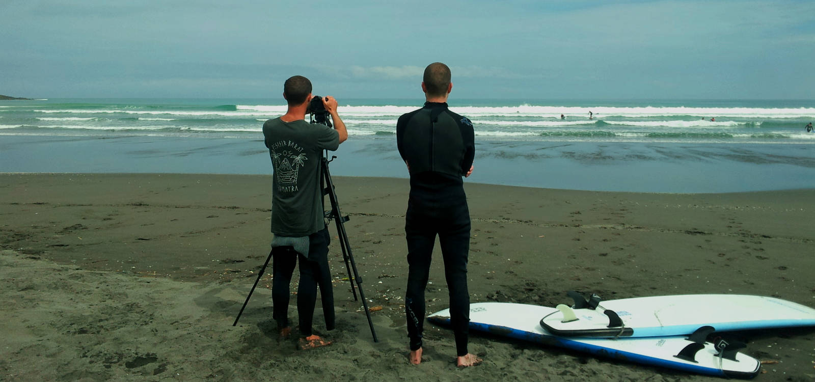 Raglan surf school for detailed surf lessons, UP Surf Coaching.