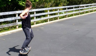 Learn how to use a smoothstar skateboard on the Auckland surf camp.