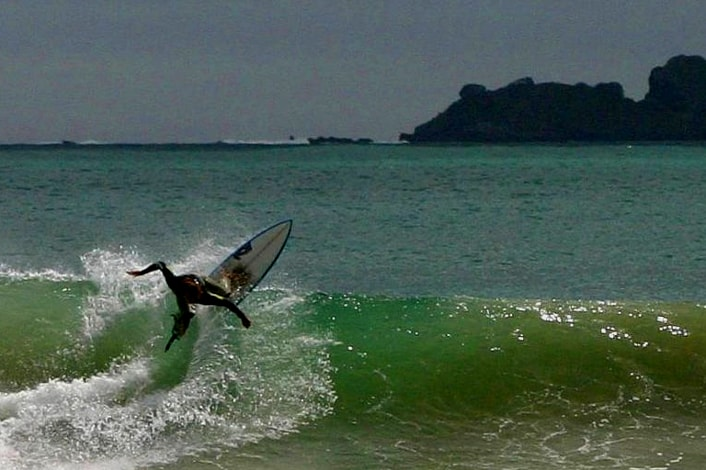 Surf Camps in New Zealand for Intermediate Surfers.